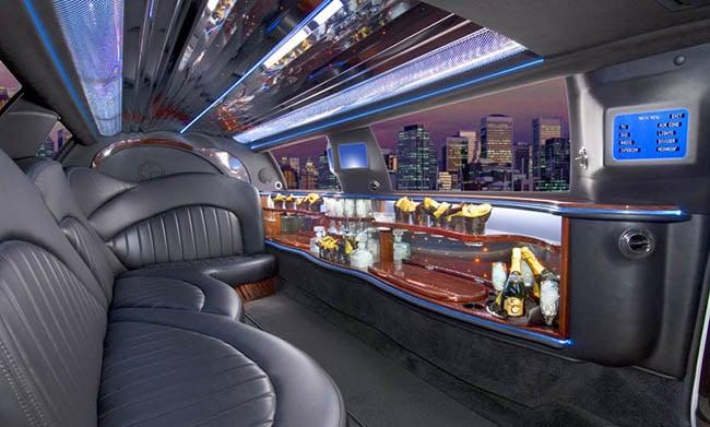 lincoln stretch limo interior